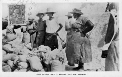 women bagging salt 115